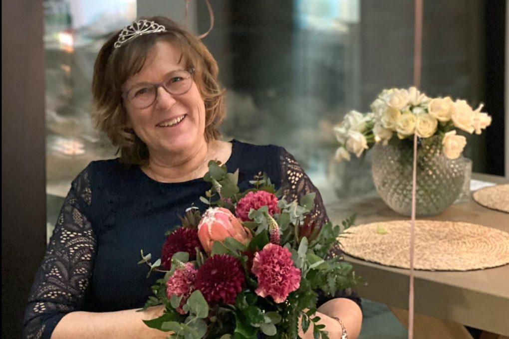 """Tina Östman 60-vuotias - """"Jo 25 vuotta puolueessa taustatukena ja aktiivina"""""""